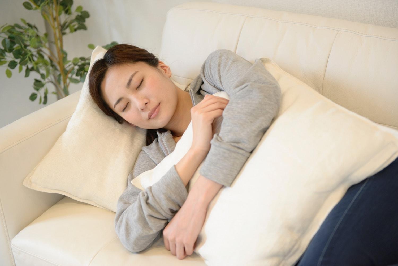 睡眠している人のイメージ写真